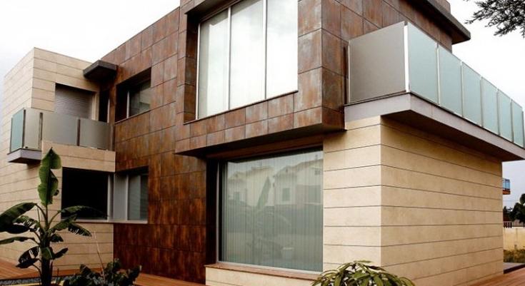 Фасад облицованный керамогранитом